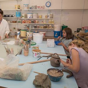 Cours de poterie enfants