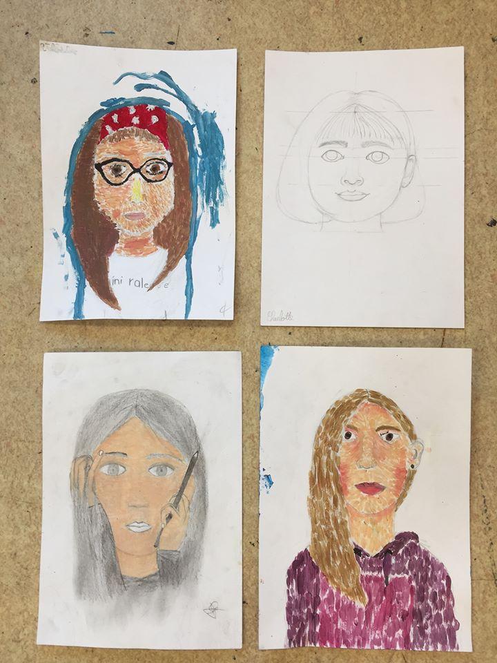 Autoportraits atelier dessin ados